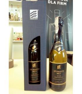 Zestaw z winem musującym, dedykowana etykieta i kartonikiem z okienkiem z laserowanym napisem