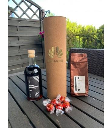 Zestaw świąteczny APPOLINEUS, z alkoholem 500ml, kawa 100g, 5 sztuk LINDOR